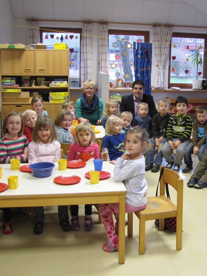 """New Years donation"" for Jakobus Kindergarten at Brunsbüttel (German)"